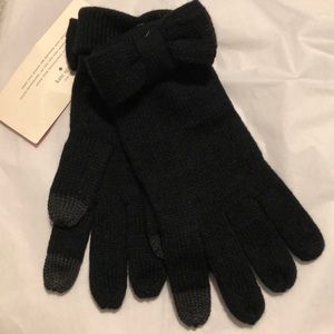 Kate spade bow glove. Special touch technology